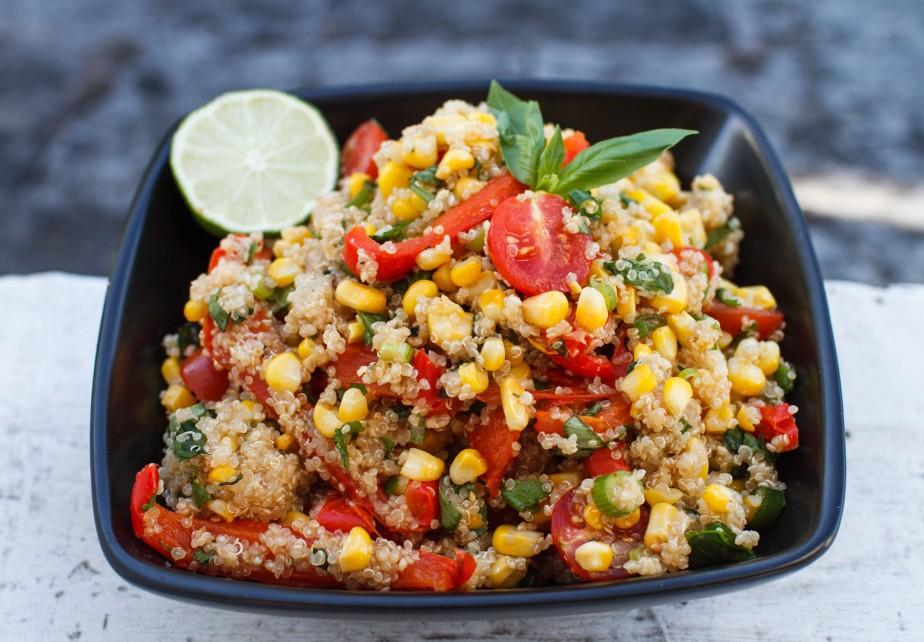 Mexican corn and quinoasalad